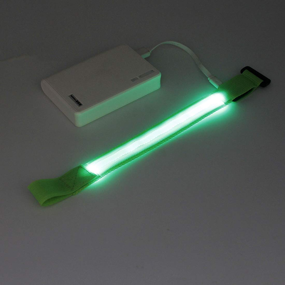 ThreeCat Cargador USB Brazalete de luz LED Anillo de pie Banda de Brazo para Correr de Noche