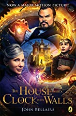 "A haunting gothic tale by master mysery writer John Bellairs--soon to be a major motion picture starring Cate Blanchett and Jack Black!""The House With a Clock in Its Walls will cast its spell for a long time.""--The New York Times Book ReviewW..."
