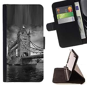 BullDog Case - FOR/HTC DESIRE 816 / - / Architecture London Bridge Black & White /- Monedero de cuero de la PU Llevar cubierta de la caja con el ID Credit Card Slots Flip funda de cuer