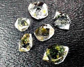 6 Rare Petroleum Quartz. Fluorescent Diamond Quartz Crystals With Petroleum Enhydros From Pakistan Wire Wrapping Size