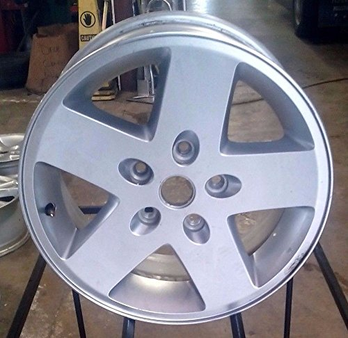 Painted Silver Alloy Wheel - 1
