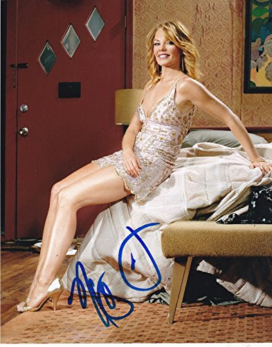 (MARG HELGENBERGER SIGNED 8X10 PHOTO AUTHENTIC AUTOGRAPH CSI UNDER THE DOME COA A)