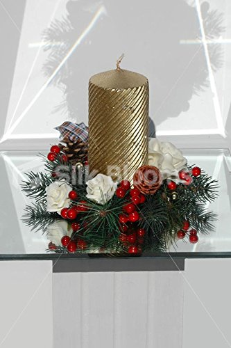 Christmas Table Decoration Candle Ring w/ Roses & Holly Berries ()