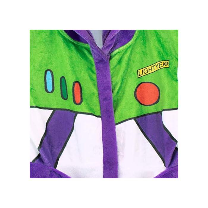 513jAn6tSgL Bata para niños de Toy Story. Para que te parezcas al guardián espacial Buzz Lightyear, esta bata de baño viene con el diseño de su uniforme. 100% Poliéster