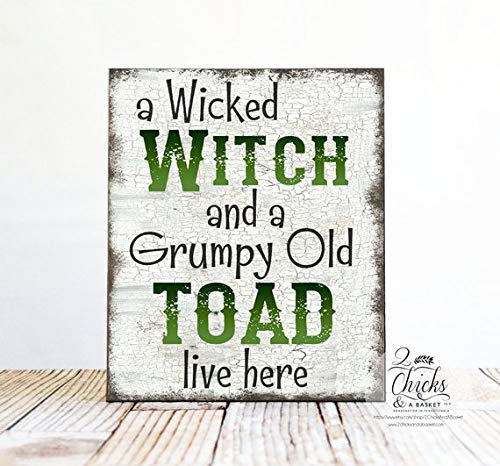 Ruskin352 A Wicked Witch and A Grumpy Old Toad Live Here Halloween Plaque Sign, Funny Halloween Plaque Sign, Halloween Welcome Plaque Sign -