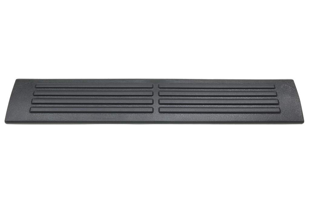 OEM NEW Rear Sill Plate Right or Left Graphite 00-02 GM Trucks /& SUVs 15750386