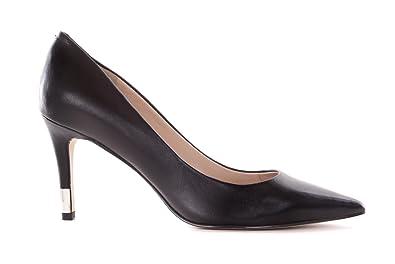 7481667cf772 GUESS Femme Escarpins Pumps Stiletto Noir  Amazon.fr  Chaussures et Sacs