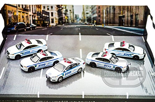 nypd diorama 1 64 5 car set diecast police cars greenlight diecast buy online in uae. Black Bedroom Furniture Sets. Home Design Ideas