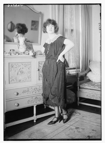 HistoricalFindings Photo: Larrmore,Women,Dresser,Hand Mirrors,Reflections,Chair,Portrait,Bain Service (Dresser Mirror Portrait)