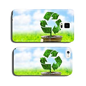 Blackboard and flowerpot with Recycle sign made from grass on gr cell phone cover case Samsung S5