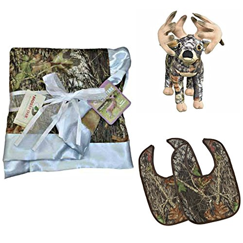 [Mossy Oak Premium Camouflage Baby Boy Boxed Set - Blanket, Bibs and Whitetail Deer Plush Stuffed Animal] (Mossy Deer Camo)