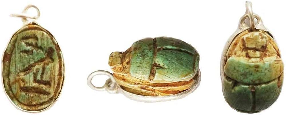Escarabajo de la Suerte Colgante de Piedra caliza engarzado con Plata, Amuleto Desde el Antiguo Egipto 1,5 cm x 1 cm
