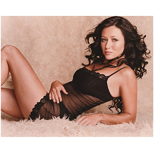 Charmed 8x10 Photo Shannen Doherty/Prue Halliwell Black See Through Lingerie Lying on White Fur Rug kn (Pic Rug)
