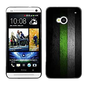 ELEGO Prima Delgada SLIM Casa Carcasa Funda Case Bandera Cover Armor Shell PC / Aliminium Protection /Black & Green Minimalist Pattern /HTC One M7