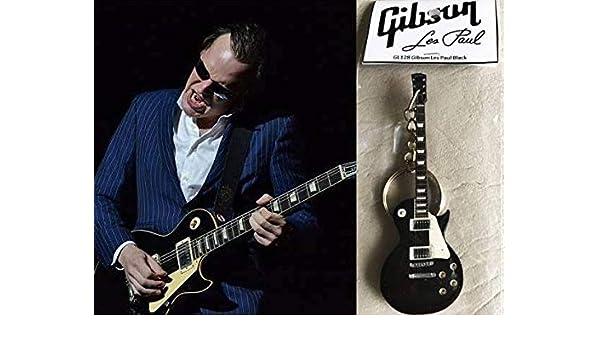 Amazon.com: Keychain Guitar Gibson Les Paul Ebony Black ...