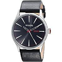 [Patrocinado] Nixon A105Sentry de los hombres 42mm acero inoxidable movimiento de cuarzo reloj de piel, The Sentry Leather, talla única , Negro/Plateado