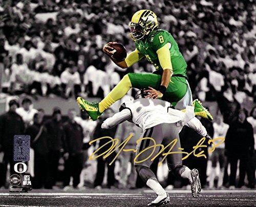 (Marcus Mariota Autographed 8x10 Photo Oregon Ducks Marcus Mariota Hologram)