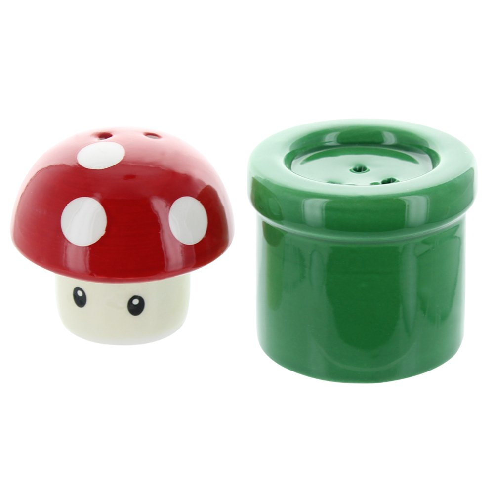 Super Mario Bros. Mushroom & Pipe Salt & Pepper Shakers Nerd Block