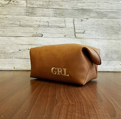 81074047434f Amazon.com  Monogrammed dopp kit