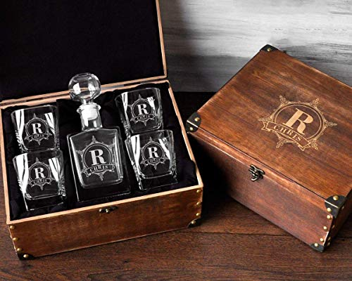 Personalized Decanter Set with Wood Box Whiskey Decanter Set Groomsmen Gifts for Wedding Engraved Decanter Set Men's Birthday Gift Personalized Whiskey Glasses Monogrammed Gift Him Whiskey Gift Set