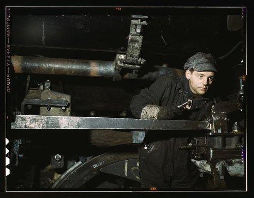 Photo: Young worker,Chicago,North Western Railway Company,Proviso yard,Illinois,IL,1942