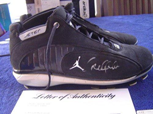(New York Yankees Derek Jeter '08 Game Used Signed Nike Jordan Cleats Steiner - PSA/DNA Certified - MLB Game Used Cleats)