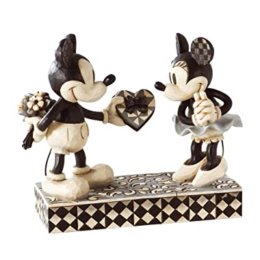 Disney Traditions by Jim Shore Mickey and Minnie Mouse Figurine  Real Sweetheart  (4009260)
