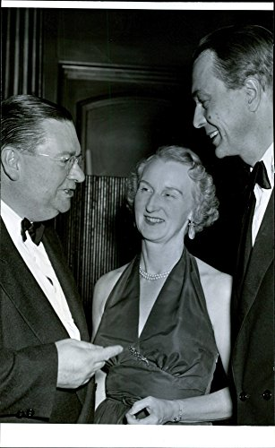 vintage-photo-of-mr-kingsley-graham-and-gudmund-silfverstolpe-with-wife-at-agas-anniversary-at-berns