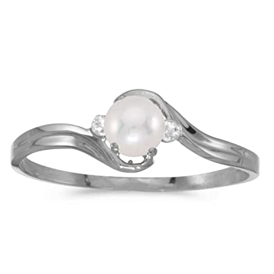 0a265df1d 10k White Gold Freshwater Cultured Pearl And Diamond Ring (Size 4.5)