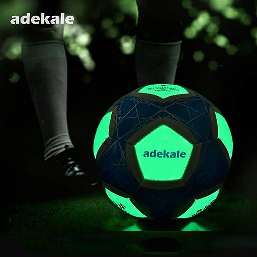 Fútbol Luminoso, Brillo Fluorescente Después del Brillo del Sol ...