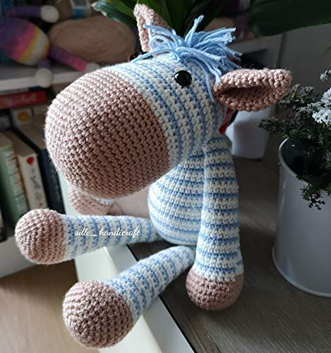 Weekend Makes: Crocheted Toys: 25 Quick and Easy Projects to Make ... | 500x469