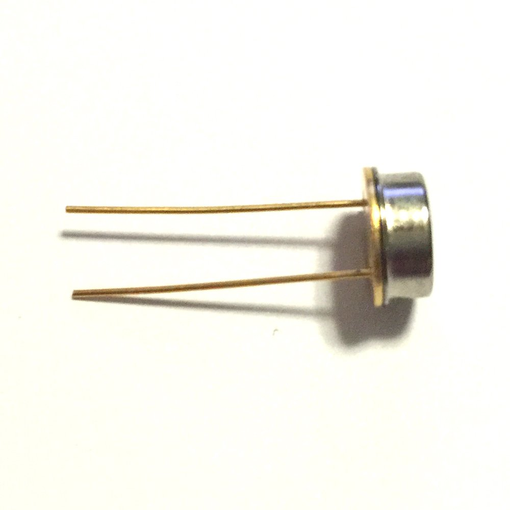 3pcs Silicon Photodiode 320 to 720nm Visible Light Detector 3.7x3.7mm Area Metal Pacakge 580nm SG88MQ-415