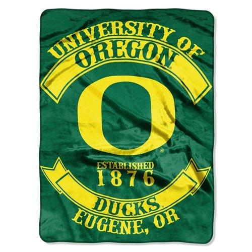 (Oregon Ducks 60''x80'' Royal Plush Raschel Throw Blanket - Rebel Design)