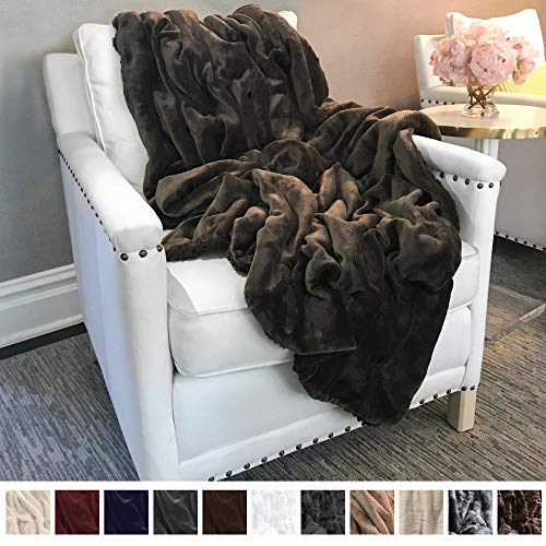 The Connecticut Home Company Ultimate Velvet with Sherpa Throw Blanket, Super Soft, Large Plush Reversible Blankets, Warm and Hypoallergenic Washable Couch/Bed Throws, Microfiber 65
