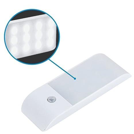 El sensor de movimiento enciende la lámpara de inducción recargable mini USB inteligente ultrafino con 12