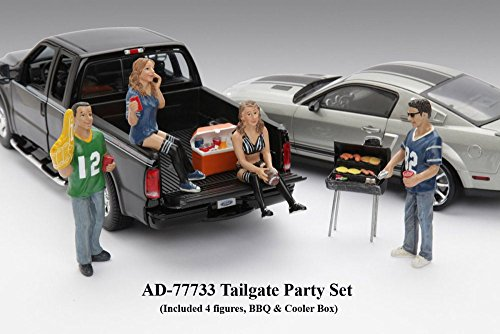 Tailgate Party Set of 4 Figures w/ Grill & Cooler, American Diorama Figurine 77733 - 1/18 scale