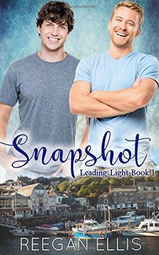 Read Online Snapshot (Leading Light) (Volume 1) pdf