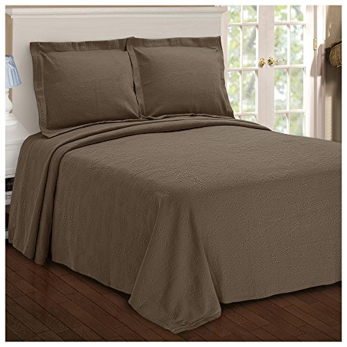 Superior Paisley Jacquard Matelasse Bedspread - 100% Cotton Quilt with Matching Pillow Shams, Matelasse Coverlet, Taupe, King - X Oversized 120 118 Quilt