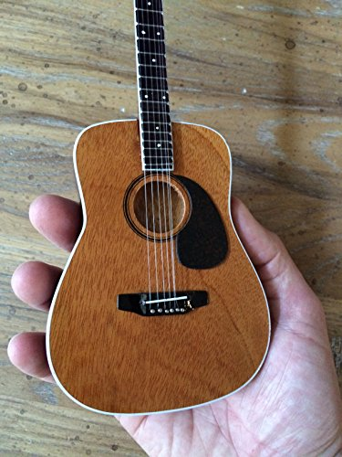 Dave Matthews Electric Guitar (Dave Matthews Classic Acoustic Miniature Guitar Model)