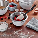 Oxo Good Grips 3-piece Silicone Spatula Set 17 3-Piece Silicone Set includes: Small Spatula, Medium Spatula and Spoon Spatula Small Spatula ideal for reaching food in jars and other tight spaces Medium Spatula features rounded edge for scraping bowls and square edge for pushing batter into corners