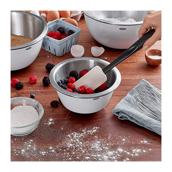 Oxo Good Grips 3-piece Silicone Spatula Set 7 3-Piece Silicone Set includes: Small Spatula, Medium Spatula and Spoon Spatula Small Spatula ideal for reaching food in jars and other tight spaces Medium Spatula features rounded edge for scraping bowls and square edge for pushing batter into corners