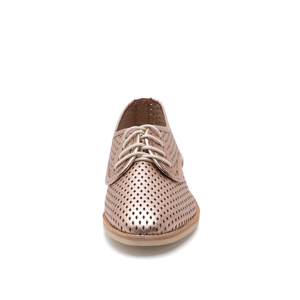 Zapato plano dorado con cordones perforados perforados Derby plano ...
