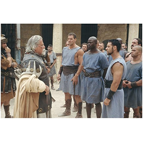 Russell Crowe 8 inch X 10 inch photograph Gladiator (2000) w/Djimon Hounsou Opposite Oliver Reed (Oliver Reed Actor)