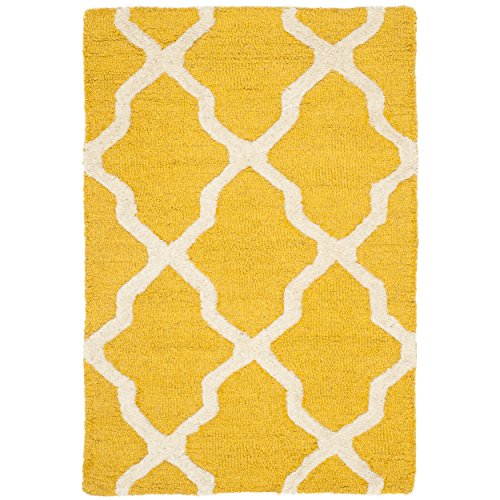 Safavieh Cambridge Collection CAM121Q Handmade Moroccan Geometric Gold and Ivory Premium Wool Area Rug (2′ x 3′)