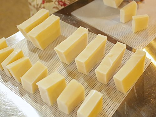 How to Make A Simple Soap Bar with Lye & Lard