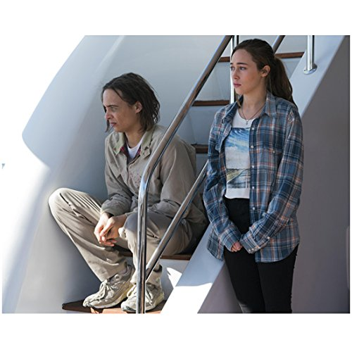 Fear the Walking Dead (TV Series 2015 - ) 8 inch x 10 inch PHOTOGRAPH Alycia Debnam-Carey Plaid Shirt Over Tee & Frank Dillane on Steps in Khaki Jacket kn