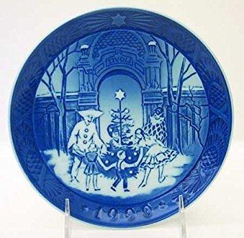 1990 Royal Copenhagen Christmas Plate