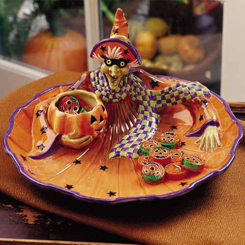 Witch theme chip and dip platter in orange and purple colors