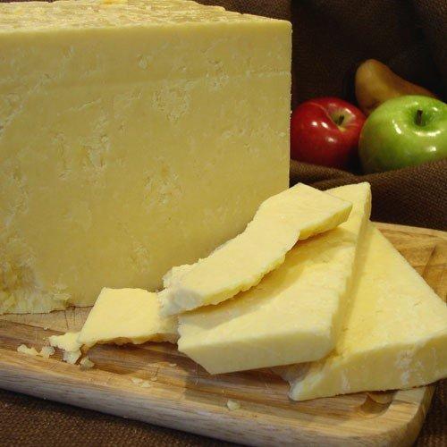 igourmet Quebec 7 Year Vintage Cheddar (7.5 ounce) - Vintage Cheddar Cheese