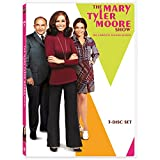 img - for MARY TYLER MOORE: COMPLETE SEASON 2 book / textbook / text book